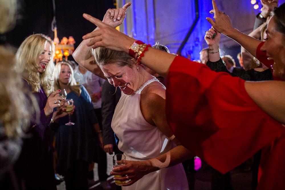 Bruidsfotograaf Metaal Kathedraal